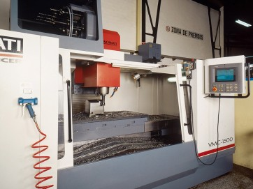 CNC and conventional lathes and milling cutters process industrialisation